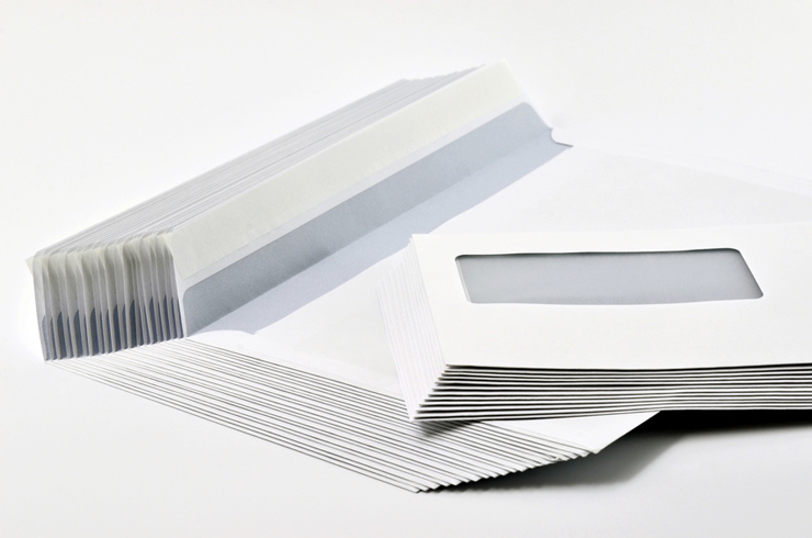 Massenhaftes Kuvertieren geht am besten maschinell. (Bild: @ djama - fotolia.com)