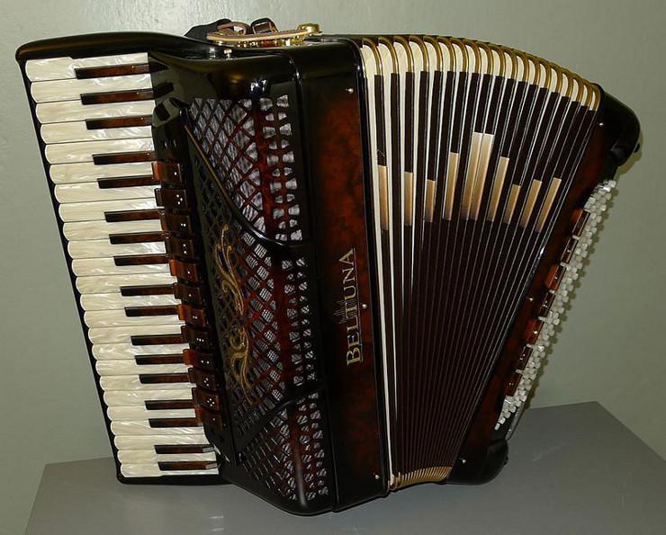 akkordeon4-beltuna.ch