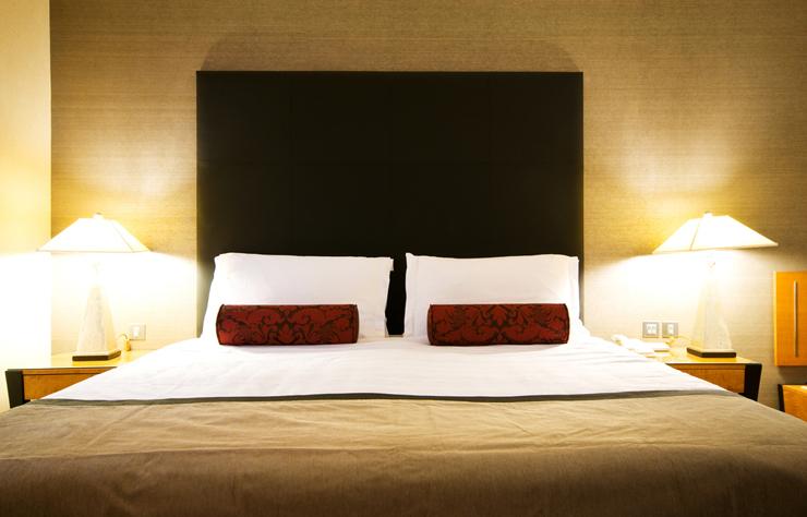 Ein passendes Bett gibt es für jeden Wohngeschmack. (Bild: © Elnur - shutterstock.com)