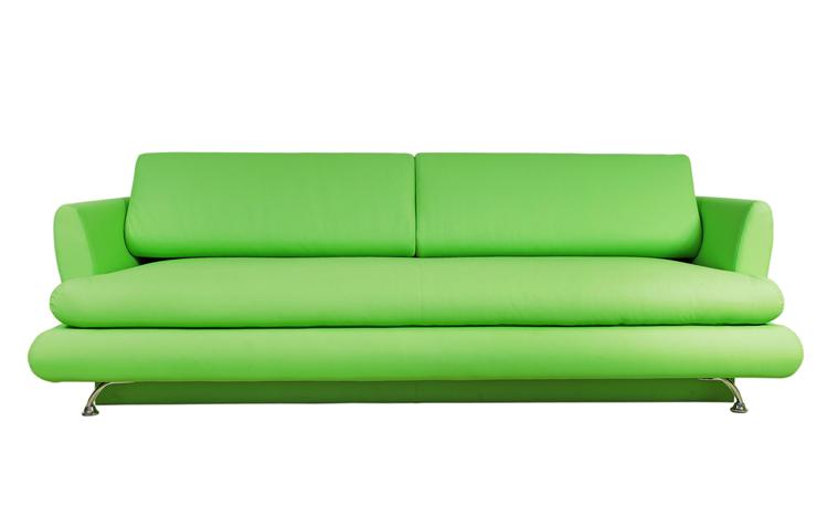Ein passendes Sofa findet sich für jeden Geschmack. (Symbolbild: © REDSTARSTUDIO - shutterstock.com)