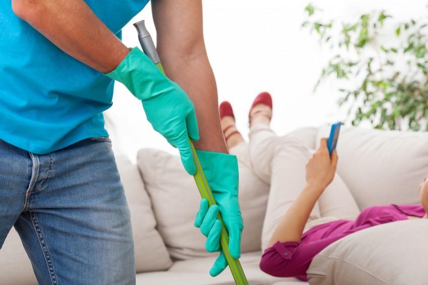 Sofa-Pflege: So erhalten Sie Ihr Sofa möglichst lange